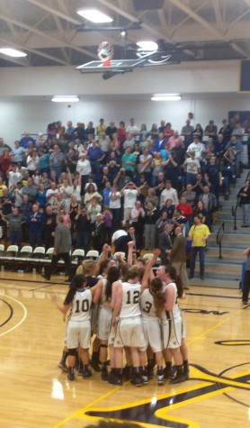Women's basketball advances to Final Four