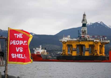 Whitman students join protest against Shell oil rigs in Port of Seattle