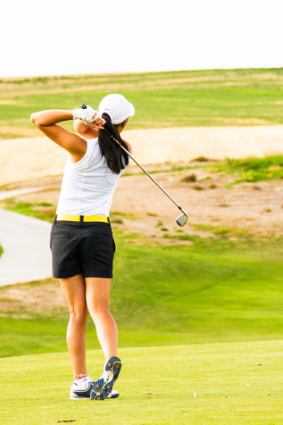 Nguyen making major contributions to Whitman women's golf team
