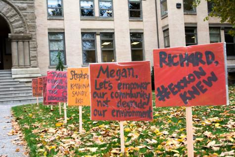 Divestment Silently Protests Trustee Meeting