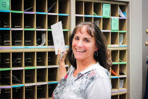 Marge Jessee, Beloved Post Office Supervisor, Retires
