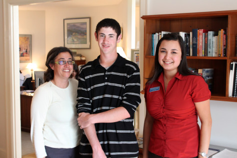 Prospective student Eli Obtsfeld and his mother Leslie with admissions officer Alana Kaholokula in Penrose.  Photo Credit: Ethan Parrish