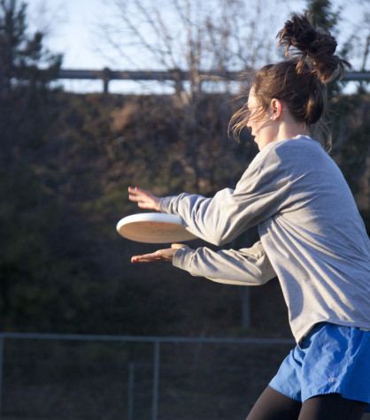 Whitman's women frisbee players, the Walla Walla Sweets, practice on Friday, Feb 18. Credit: Marie Von Hafften