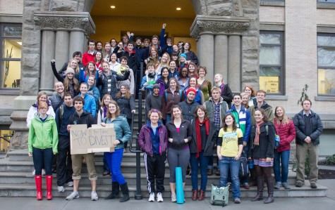 Over 70 students expressed support for divestment from fossil fuels today by gathering at Memorial Building.  Photos by Marie von Hafften.