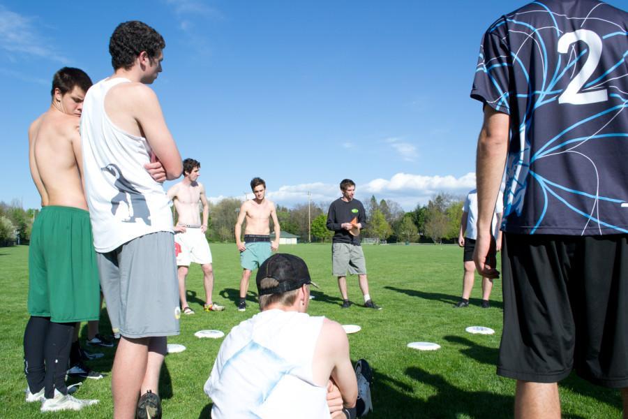 Mens frisbee. Photos by Brennan Johnson.
