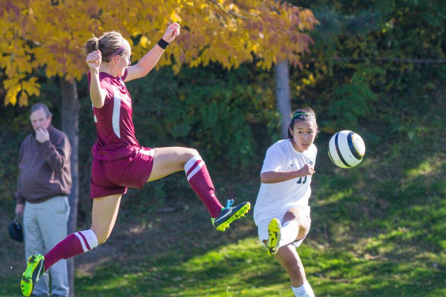 Women's Soccer Looks to Regain Form to Finish Season