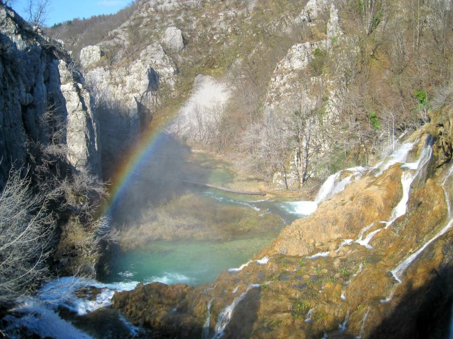 A rainbow by the big waterfall