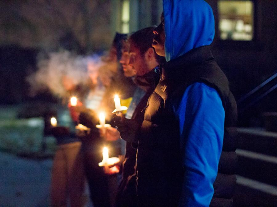Candlelight+vigil+honors+Linfield+College+student
