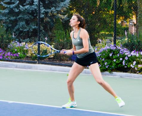 Women's tennis kicks off fall season