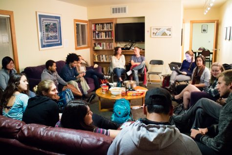 Students gather in the Glover-Alston Center for a discussion on immigration policy. Photo by Samarah Uribe.