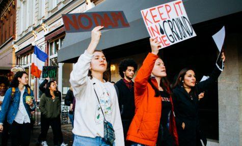 Students march against Dakota Access Pipeline