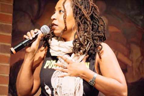 Comedian Gloria Bigelow provides provocative, socially conscious humor