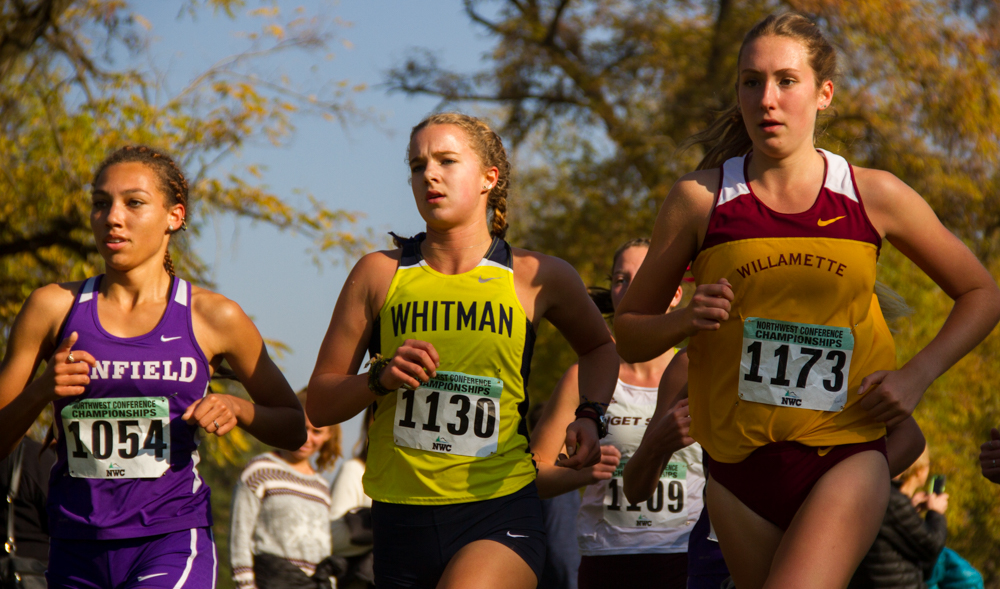 Sophomore+Whitney+Rich+%28center%29+finished+9th+with+a+time+of+23%3A01.9%2C+landing+her+on+the+second+team+for+all-NWC.+Photo+by+Natalie+Mutter