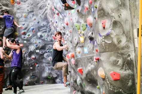 Climbing Club Competes at Western Washington