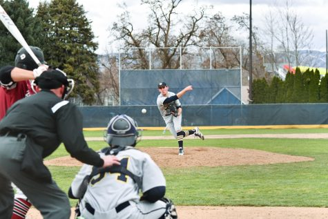 Baseball Pushes Towards Postseason