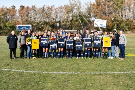 Whitman soccer celebrates seniors at last home game