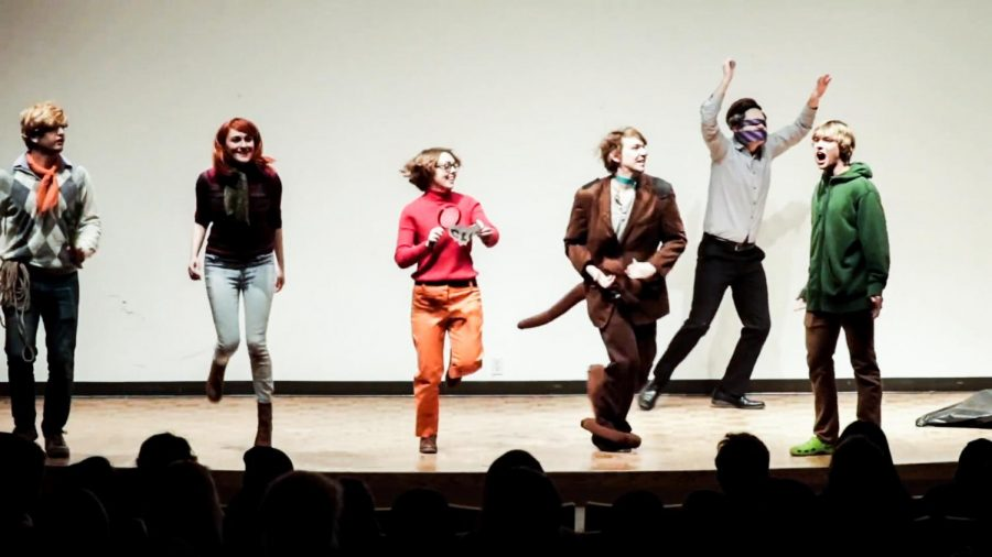 Whitman student actors portray Fred, Daphne, Velma, Scooby and Shaggy, re- spectively, as they solve mysteries in the midst of their sophomore year. Photos contributed by Fi Black.
